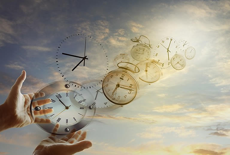 Lucid dreaming clock moving through time